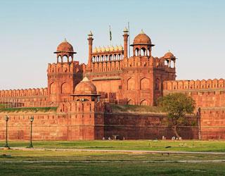 Amritsar to Delhi Taxi Service