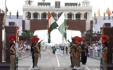 Amritsar to Wagah Border Taxi Service